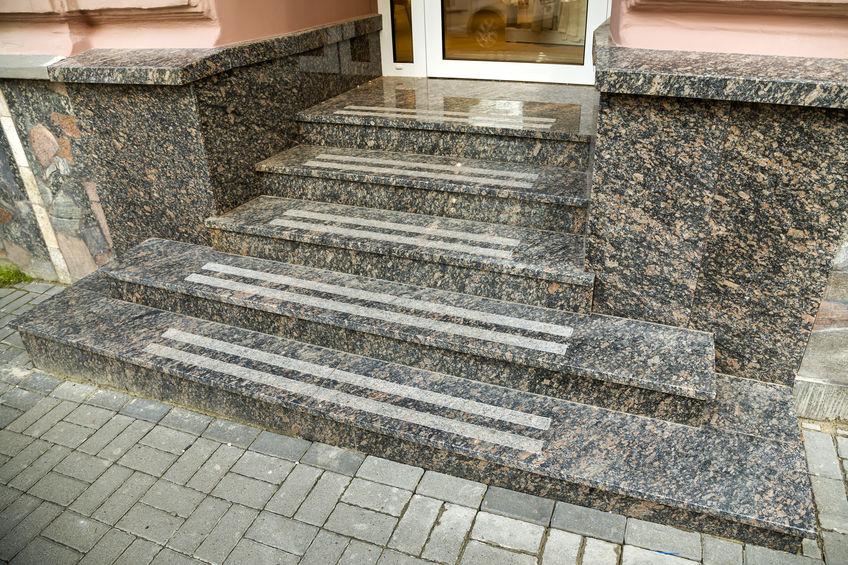Žulové schodište